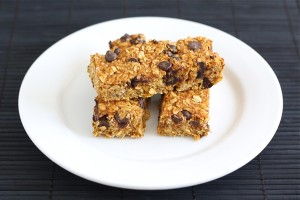 chocolate-chip-granola-bars